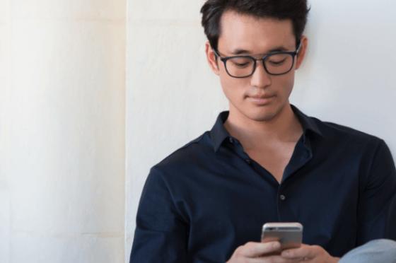 Eyezen lenses are optimised single vision glasses for phones
