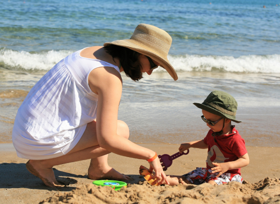 Wide brimmed hats and sunglasses protect your eyes from the sun and UV light