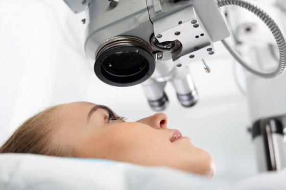laser eye surgery correcting long-sightedness