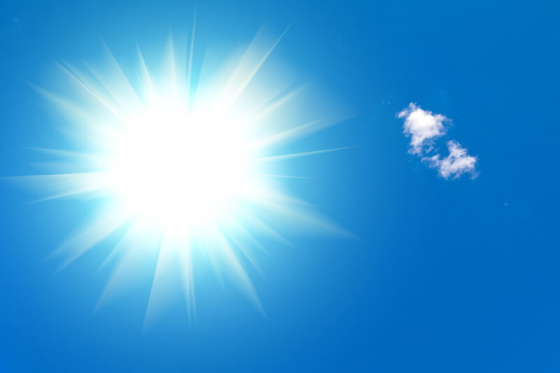 Blue light from the sun can increase risk of AMD age-related macular degeneration